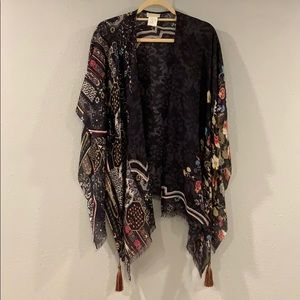 Petanu silk cape scarf